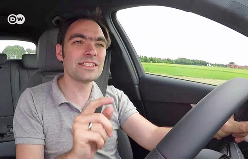 """DW ofrece programas muy atractivos como """"Drive It!"""" (""""Al Volante!"""", en la edición de DW en español), con todo acerca del automóvil,"""