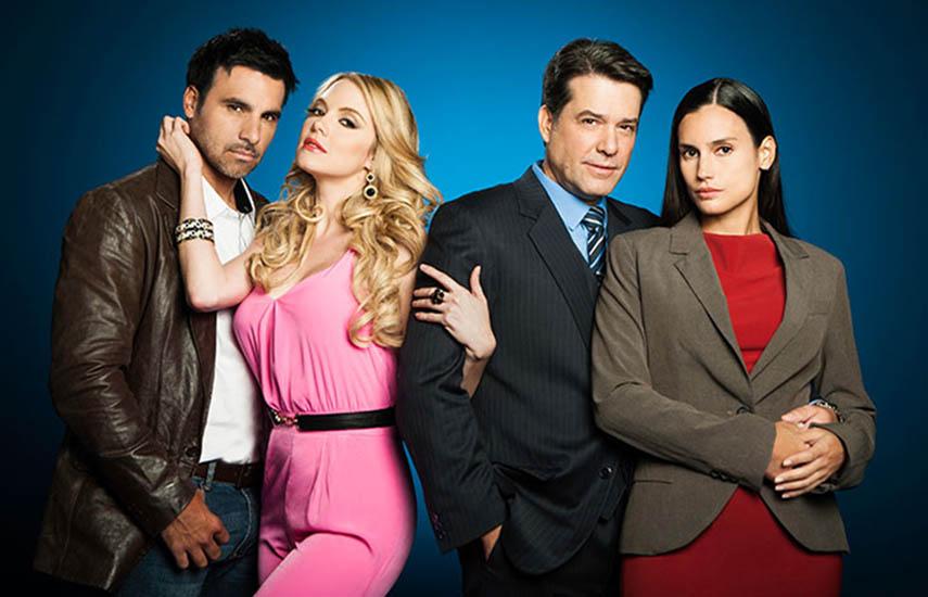 """Elenco de """"Amor Secreto"""", protagonizada por Miguel de León y Alejandra Sandoval."""