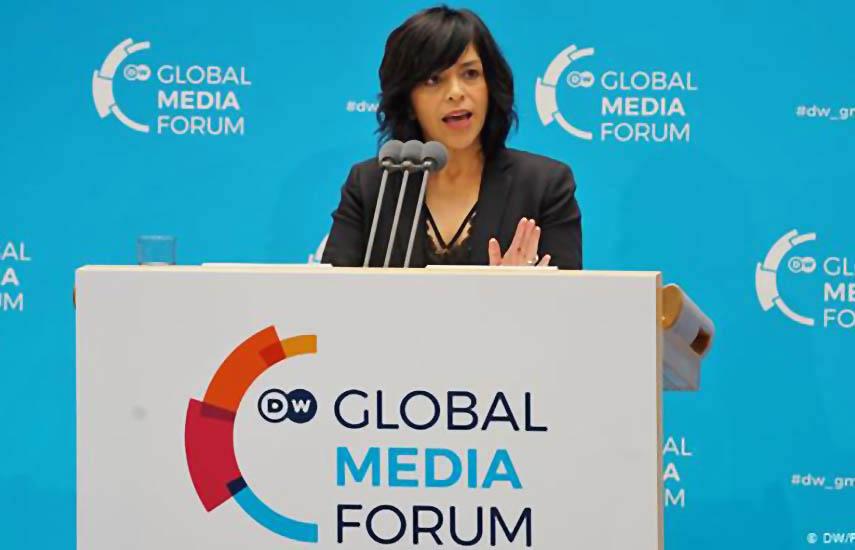 Anabel Hernández es galardonada por su incansable lucha en pro de la libertad de prensa y en contra de la corrupción y la impunidad en su país natal, México.
