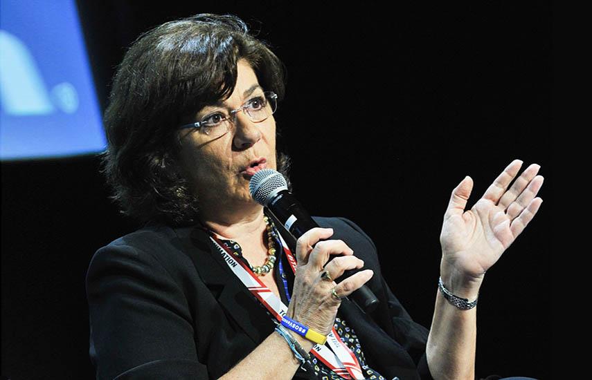 Carolina Acosta Alzuru, profesora asociada en la Universidad de Georgia, es una de las voces más autorizadas en el estudio de telenovelas y series.