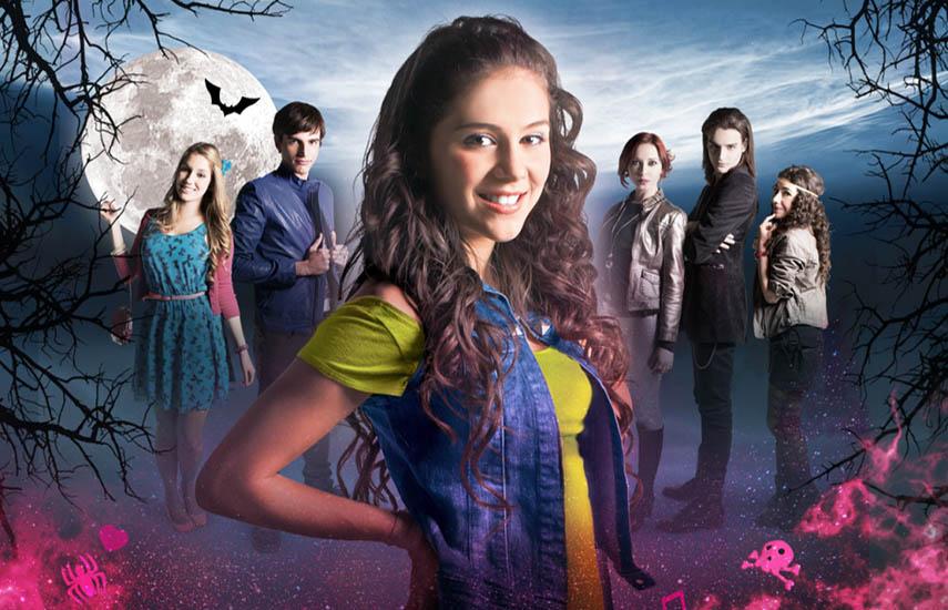 'Chica Vampiro' cuenta la historia de Daisy (Greeicy Rondón), que guarda como secreto la identidad vampírica de su familia.