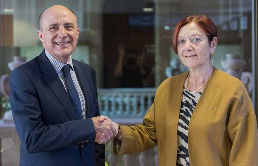 El acuerdo ha sido suscrito por el director general corporativo de RTVE, Enrique Alejo, y la rectora de la UAB, Margarita Arboix.