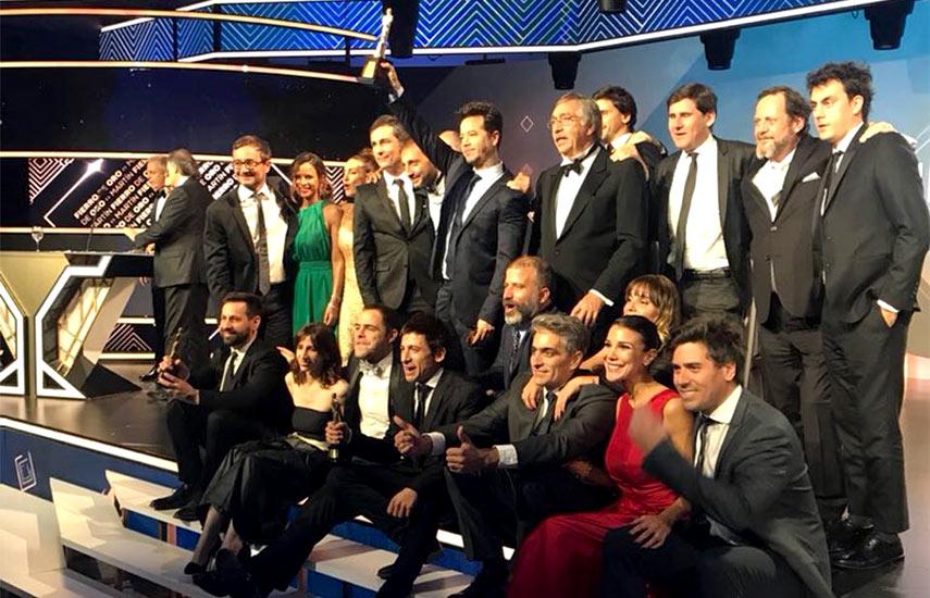 """Elenco de """"Un gallo para Esculapio"""", la gran ganadora en los Premios Martin Fierro 2017."""