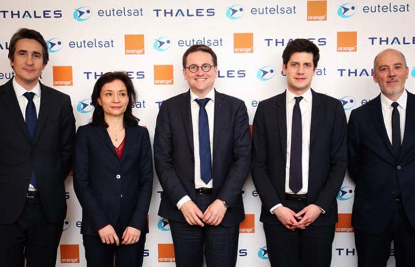 Patrice Caine (Thales), Delphine Gény-Stephann (Ministra francesa), Rodolphe Belmer (Eutelsat) Julien Denormandie (Ministro francés) and Stéphane Richard (Orange).