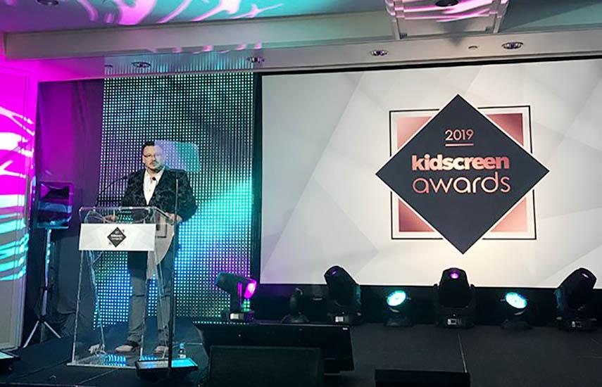Craig Lauzon, reconocido actor y comediante canadiense, condujo la premiación.
