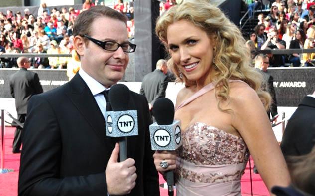 Axel Kuschevatzky y Liza Echeverría, presentadores TNT