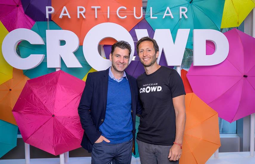 Fernando Szew, CEO de MarVista y Tomás Yankelevich, vicepresidente ejecutivo y director de Contenidos y Entretenimiento General de Turner Latin America, tras la firma del acuerdo.