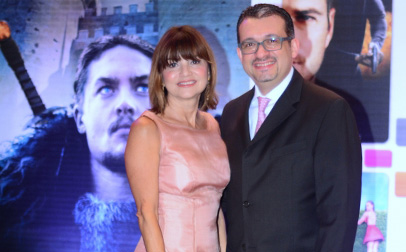Melisa Quiñoy, VP sénior de Ventas Publicitarias y Desarrollo de Nuevos Negocios de A+E Networks Latin America, junto a Jose Antonio Nogues, gerente general de VC Mutichannel de Republica Dominicana.