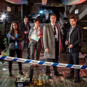 Suspects Protagonizada por Fay Ripley, Damien Molony y Clare-Hope Ashitey