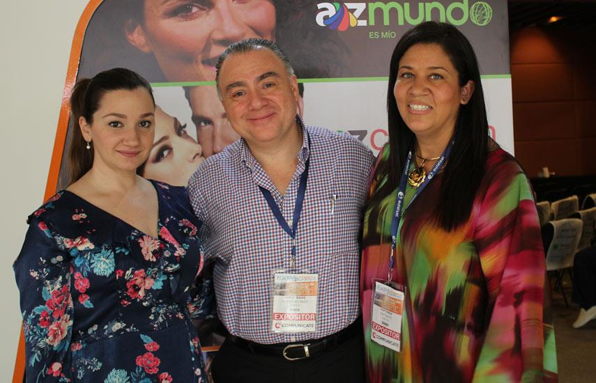Giuliana Alberti y Jorge Gutiérrez de AZTECA TV, y Hortensia Espitaleta de Signal TV