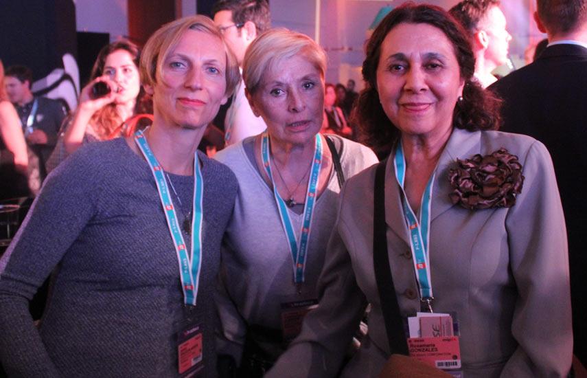 Janet Oelschlaeger de Euroarts, Katherine O'Brien de Portfolio Ent, y Rosamaría González de Rose Ent.