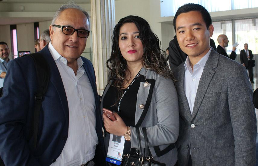 Miguel Torres-Bohl, Lizette Zarate y Fumihiko Suzuki de Castalia Communications