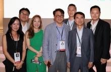 Reconocimiento de Telemundo Internacional para Hwan-sik Yoo y su equipo de SBS International de Corea por los diez años de asociación.